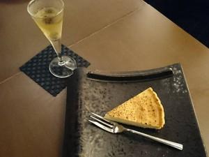 青森を代表する銘酒・田酒の酒粕を使った、チーズケーキ